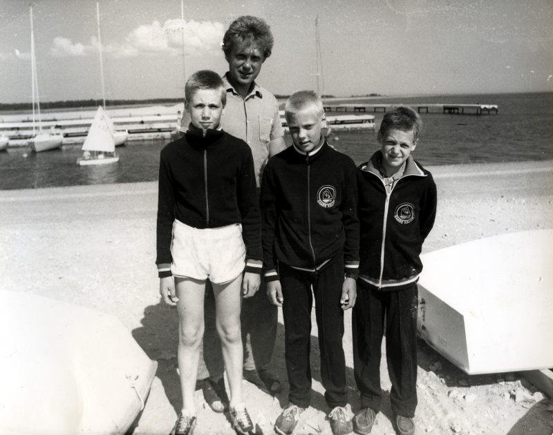 """Nasvalt sirgunud noorpurjetajate liigne edu hakkas NSVL-is tekitama konflikte, sest kuidas kuskilt """"kolkast"""" tulnud poisid nii edukad saavad olla. Viimasel ajal on palju räägitud Islandi jalgpalliimest. Sellest, kuidas riik võttis […]"""
