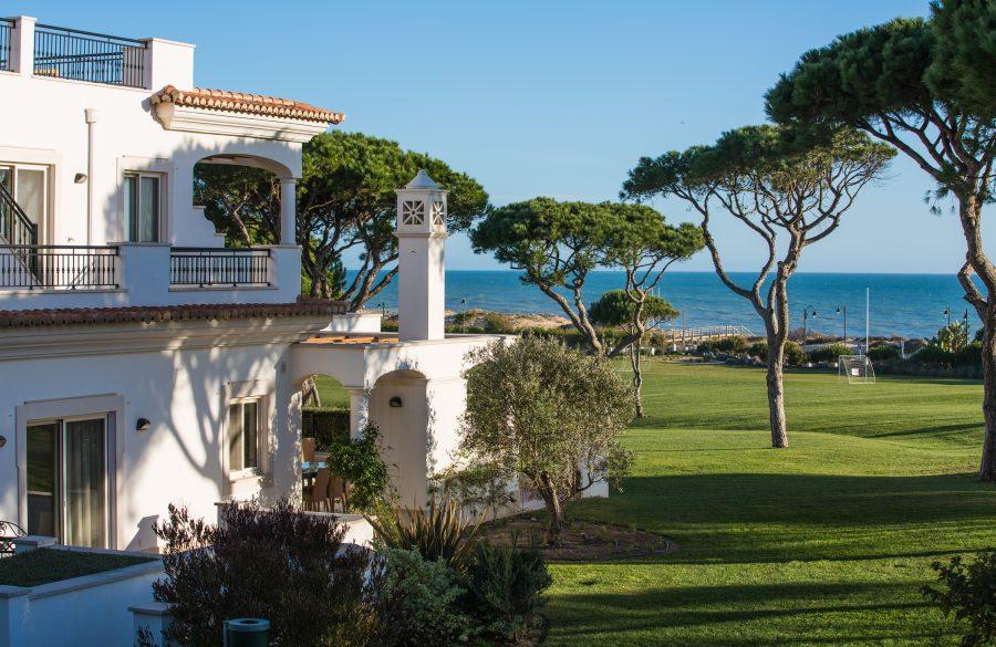 Portugali valitsus otsustas tõsta kinnisvaramaksu. Kui teie elamu või korter asub näiteks prestiižses ja päikselises piirkonnas ning kui selle aknast avaneb suurepärane vaade, on maks märkimisväärselt kõrgem. Paljud portugallased arvasid […]