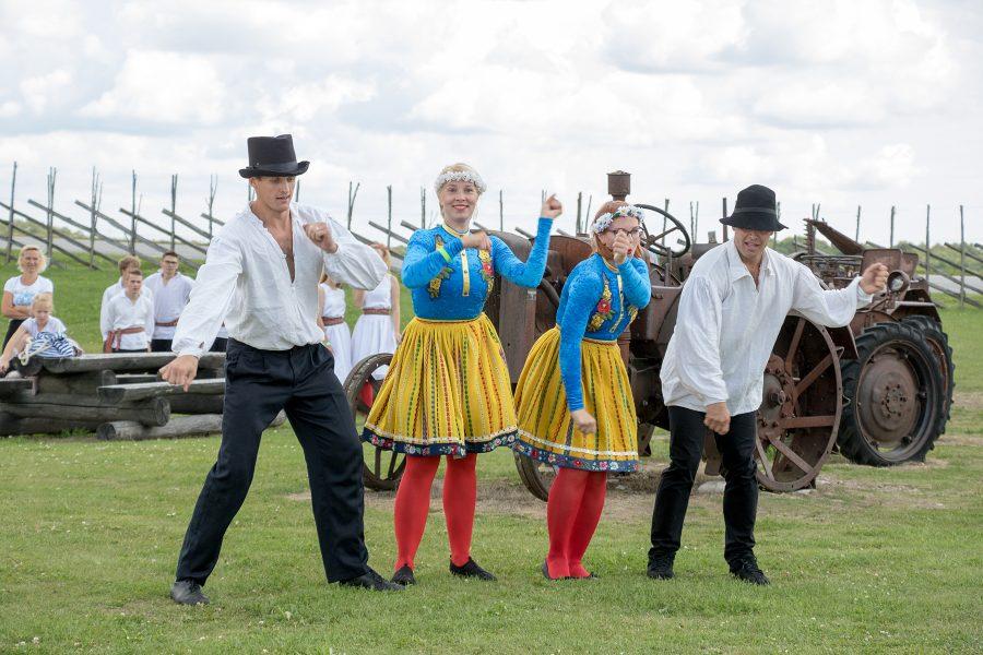 Laupäeval ootas osalejaid Angla tuulikumäe 8. pärimuspäev, kus sai tegutseda põnevates töötubades, nautida tantsu ja laulu ning head sööki. Ürituse alguseks oli Tallinnast Nõmmelt kohale kutsutud akordionistide ansambel, kelle pillimängu […]