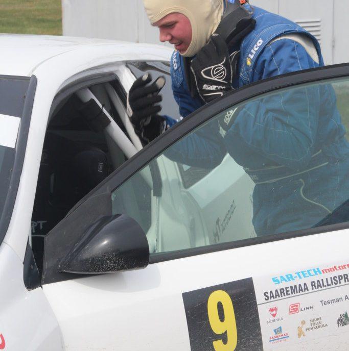 Reedel ja laupäeval sõidetud Lõuna-Eesti ralli kaheveoliste kuni 1,6-liitrise mootoriga autode EMV3 arvestuses said Ken Torn ja Riivo Mesila kolmanda koha. Hooaja kolmanda klassivõidu ja absoluutarvestuse suurepärase viienda koha saavutasid […]