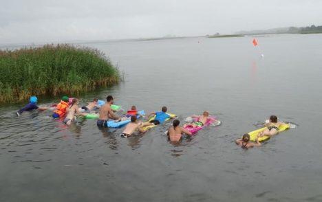 MADRATSI VEERALLI: Orissaare avatud noortekeskuse veeralli Illikul 30. juulil koos Monoga. ERAKOGU