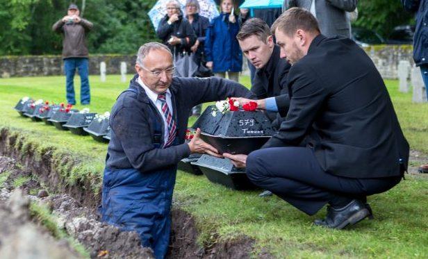 Eile kell 11.30 algas Kudjape sõjaväekalmistul tseremoonia, millega mälestati Baltimaade mullas puhkavaid langenud Saksa sõdureid. Meenutati 20 aasta möödumist kalmistu uuesti pühitsemisest ning maeti maamulda 16 Saksa poolel langenud inimese […]