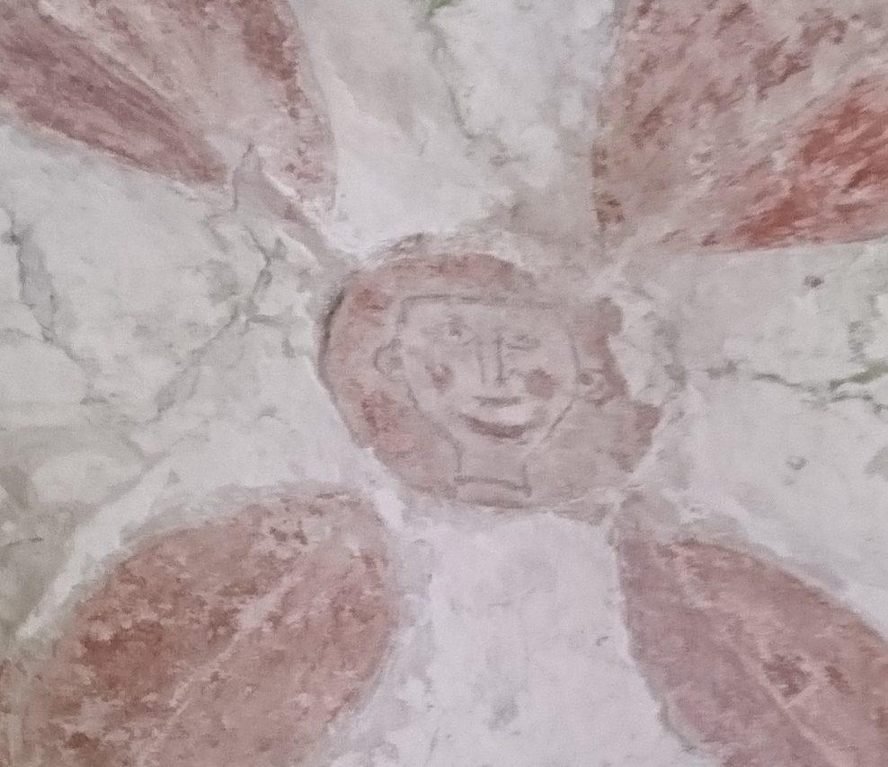 Restauraatorid leidsid Pöide kiriku torni aluselt võlvlaelt omapärase keskaegse maalingu, mis tõotab rikastada Eesti kunstiajalugu. Maalingu keskosa kaunistab tänapäevases mõistes mõneti naivistliku ilmega naeratav mehenägu.  Kunstiajaloolane Juhan Kilumets ütles […]