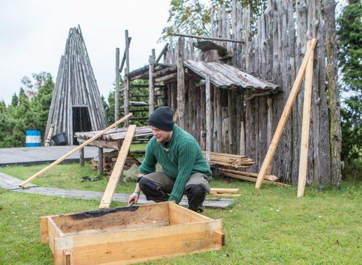 Sõrvemaa 6. pärimuspäeva raames toimub Salmel sel nädalalõpul, õigupoolest juba täna, Eesti esimene viikingite turg, kuhu on kõik huvilised oodatud kõiges toimuvas kaasa lööma. Viikingituru ja -laagri peakorraldaja, muinashuvilise Hardi […]