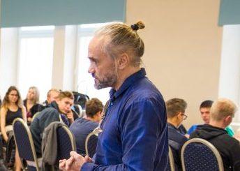 """Eelmisel kolmapäeval esinesid saalitäiele ametikooli noortele teiste seas ettevõtja Raivo Hein ja ametikooli vilistlane ning muusik Andreas Hõlpus, kes rääkisid õpilasfirmade seminaril ettevõtlikkusest ja oma kogemustest. """"Päeva märksõna on inspireerimine,"""" […]"""
