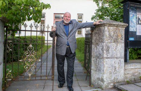 SÜNNIPÄEVALAPS: Rein Orn tähistab juubelisünnipäeva klassikalise muusika kontserdiga Kuressaare Laurentiuse kirikus.      MAANUS MASINg