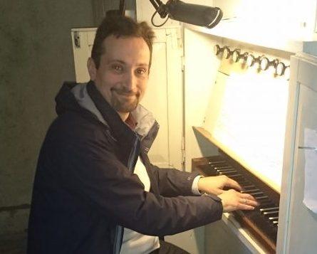 Pühapäeva õhtul andis Kuressaare muusikakooli vastne õpetaja, Itaaliast Saaremaale elama tulnud muusik Edoardo Narbona Pihtlas Püha kirikus orelikontserdi. Kiriku võlvide all kõlas renessansi- ja barokiajastu heliloojate looming. Kontserdi eesmärk oli […]
