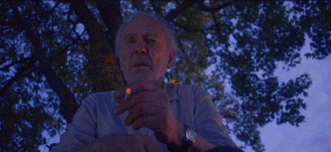 """Lühifilm """"Räägitakse, et tomatid armastavad rokkmuusikat"""" Evald Aavikuga peaosas linastub peatselt ka Kuressaares. Möödunud aasta septembris ja oktoobris Haapsalus ja selle lähiümbruses ülesvõetud film on 39 minuti pikkune draama. See […]"""