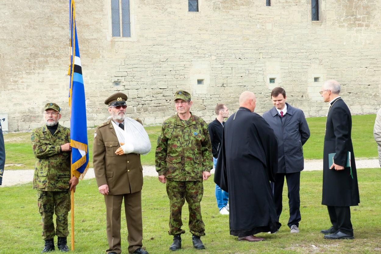 Kuressaare lossihoovis toimus täna1941. aasta punase terrori ohvritele pühendatud mälestustalitus. Fotod Irina Mägi