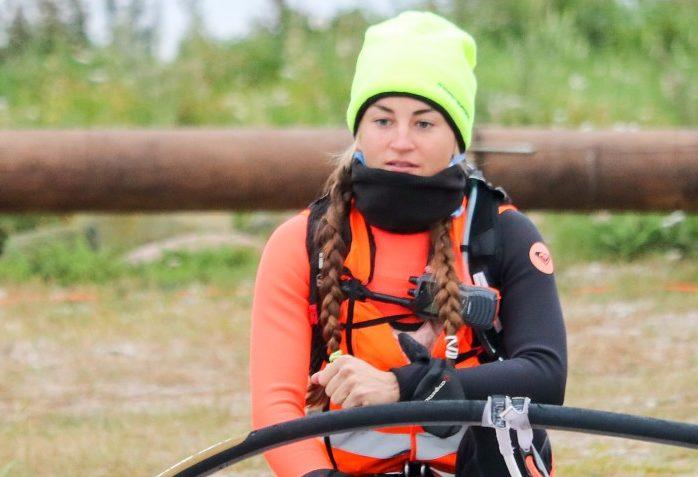 Eesti purjelaudur Ingrid Puusta läks täna varahommikul Saaremaalt Lõmala sadamast teisele katsele, et esimese naisena surfates Läänemeri ületada. Paraku pidi meeskond ka tänase ürituse katkestama, teatas ERR. Kui eile ei […]