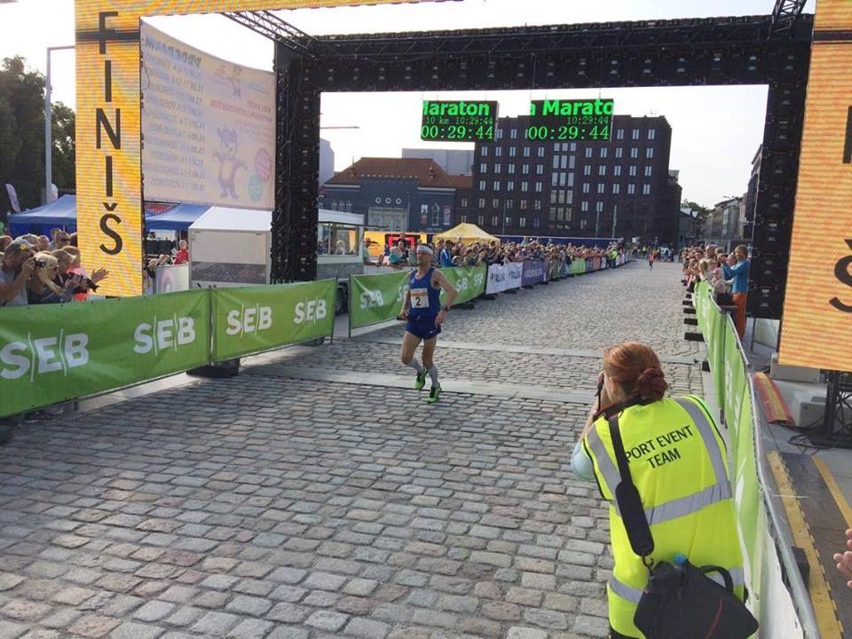 Rio olümpiamaratoni läbinud Tiidrek Nurme võitis täna SEB Tallinna Maratoni traditsioonilise 10 km Sügisjooksu. Tiidrek Nurme läbis võistlusmaa 29.42 ning viis ellu oma eesmärgi edestada sõpru Keeniast, sest Ibrahim Mukunga […]