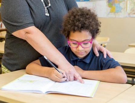 Lapsevanema ja õpetaja suhtes võib tihti olla heledamaid ja tumedamaid toone. Saaremaa ühisgümnaasiumi õpetaja Marju Roberts on harjunud seda kogema mõlemast punktist – ise on ta kooliteele saatnud kaks last […]