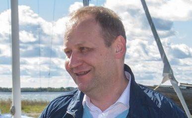 """USA turgu rihtival Saaremaa laevatootjal Baltic Workboatsil oleks suursaadik James D. Melville'i hinnangul tema kodumaal eduks väga head väljavaated. """"Nad oleksid väga edukad, neil on oma visioon ja nad on […]"""