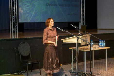 KONVERENTSIL: Saalitäiele rahvale räägib Debora Vaarandi luulest kirjandusteadlane Kadri Tüür. MAANUS MASING