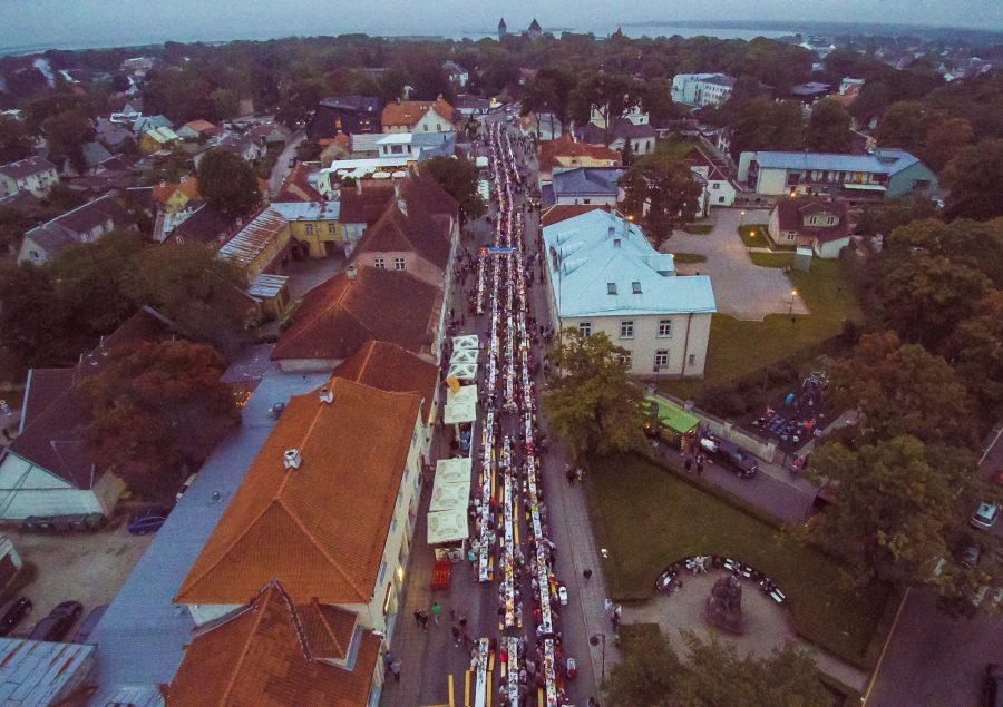 Kuressaare tänavapiknik toimus ka sel aastal oma tuntud headuses ning selle üha kasvav kuulsus paneb mõtlema, kui suureks on soov ja võimalus muutuda. Kuressaare tänavapikniku korraldanud Visit Saaremaa juht Ergo […]