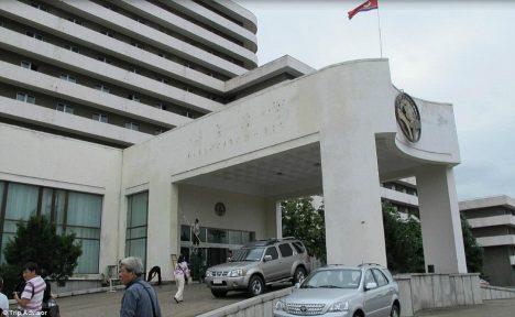 LUKSUS? 1980. aastate lõpus valminud Ryanggang hotelli peetakse Põhja-Korea üheks esinduslikumaks. Seal valitsevate suisa spartalike elutingumiste tõttu on aga hotellimõnusid omal nahal proovinud välisturistid mõnevõrra kriitiliselt meelestatud. DAILYMAIL.CO.UK