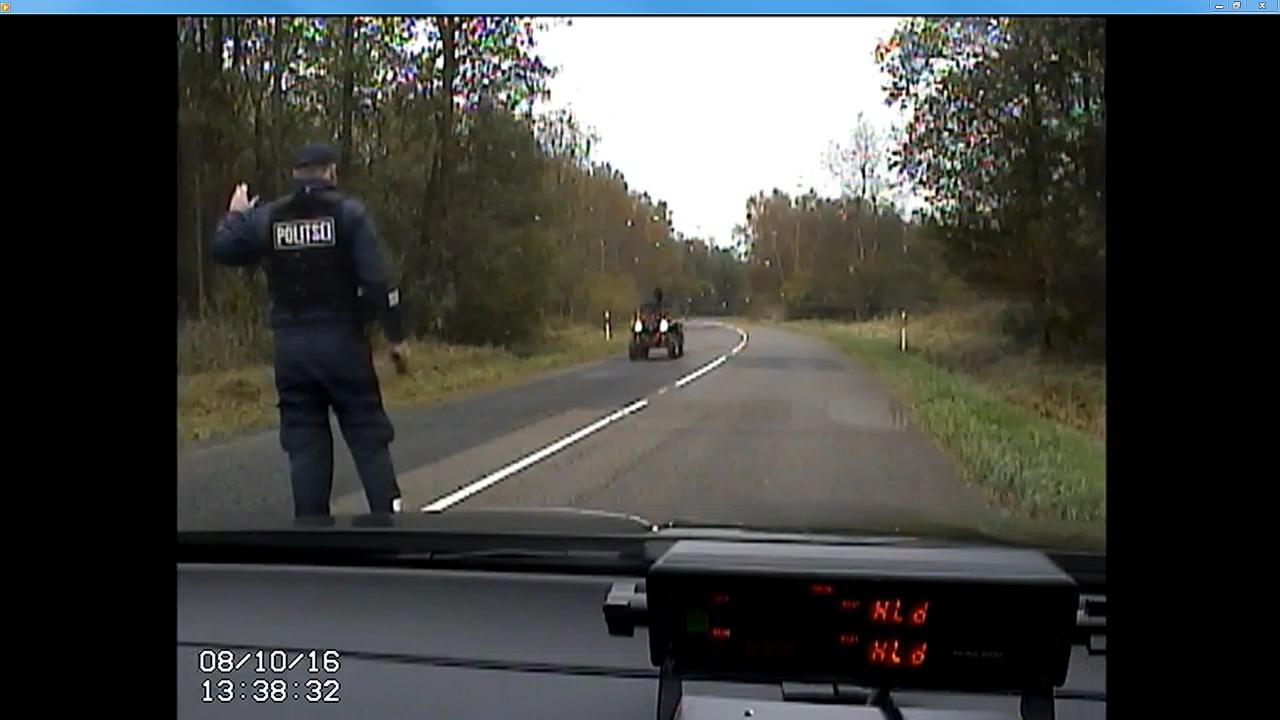 Põhja prefektuuri liikluspolitseinikud silmasid 8. oktoobri pärastlõunal Sõrve sääres ATV-dYamaha 700, mille juhtimisstiil äratas kahtlust. Peatumismärguannet juht eiras ja asus korrakaitsjate eest ära sõitma.Purjus ja juhtimisõiguseta ATV-juht kihutas metsa,kust ta […]