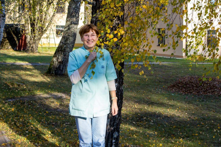 Kui Milvi Koosapoeg 51 aastat tagasi Põlva keskkooli lõpetas ja Tartu ülikoolis arstiteadust tudeerima asus, ei osanud Moostest pärit neiu arvatagi, et diplomeeritud tohtrina terendab tal ees aastakümnetepikkune tööpõld […]