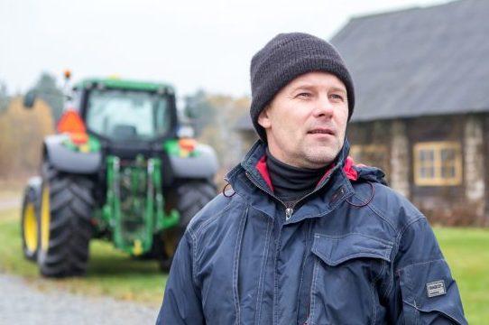 """Eiklas asuva Sarapiku talu peremees Ivo Lepik müüs maha neli aastat tagasi lambaliha säilitamiseks soetatud külmhoone ja vähendab lammaste põhikarja. """"Kui ma olen nüüd siin 12 aastat lambaid pidanud ja […]"""