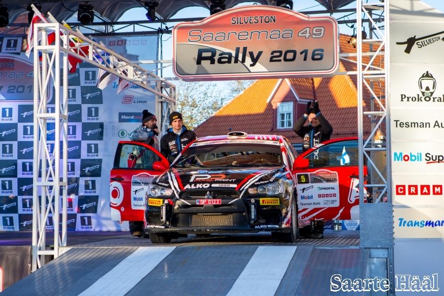 """Silveston 49. Saaremaa ralli võitsid Siim Plangi ja Marek Sarapuu (Mitsubishi Lancer Evo X). Parima saarlasena platseerus Timmu Kõrge lõpuks viiendale kohale. """"Muidugi tahtsin seda väga võita, sest Saaremaa ralli […]"""