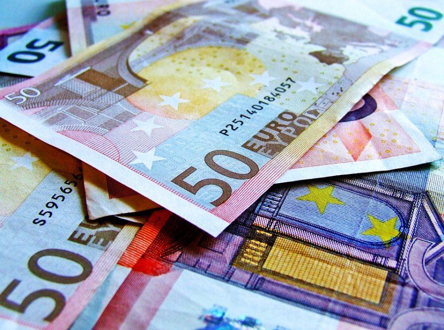 Lääne-Saare volikogu otsustas kolmapäeval toetada eelnõu, millega vald võtab järgmise kahe aasta jooksul investeeringuteks laenu 4,4 miljonit eurot. Volikogu andis loa võtta pikaajalist investeerimislaenu limiidiga kuni 4,4 miljonit eurot, millest […]
