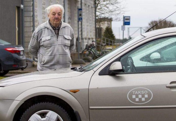 Linnavalitsus otsustas tunnistada kehtetuks FIE-le Manivalde Soom (82) väljastatud taksoveoloa ja sõidukikaardi seoses liiklusseaduse rikkumisega taksoveoteenuse osutamisel. Linnavalitsuse teatel jõustus 1. novembril Kuressaare politseijaoskonna patrulltalituse poolt Soomile määratud kiirmenetluse otsus […]