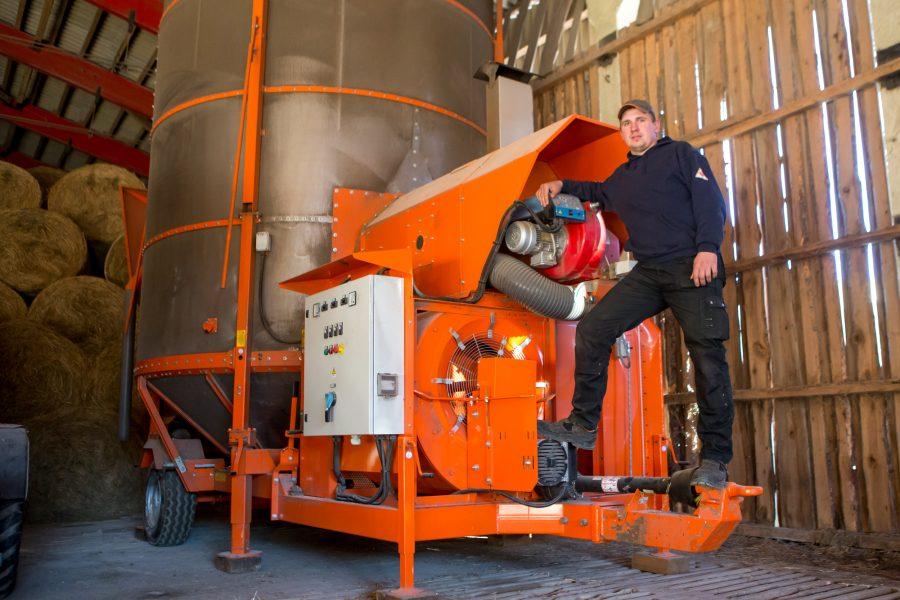 Tagavere noor talunik Raigo Kundikov käis pikka aega Soomes ehitamas, kuni kodusaarel hoolast kätt igatsev põllumaa mehe tagasi isatalusse meelitas. Üks mullustest noortaluniku toetuse saajatest, Tagaverel asuva Sassi-Antsu talu noorperemees […]