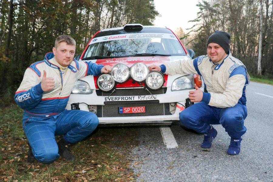 Tauri Pihlas ja ta kaardilugeja Ott Kiil on viimasel ajal saanud palju tunda rallisõitmise mõru poolt – kole tihti on ette tulnud katkestamisi. Ka Saaremaal toodi auto viimati finišisse 2012. […]