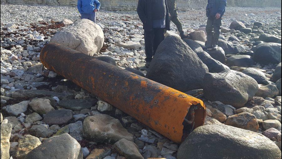 Päästjad kutsuti eile hommikul Mustjala valda Panga külla, kus kohalikud elanikud olid rannalt leidnud kaheks osaks lagunenud torpeedo. Kahtlustati, et pisem tükk võib olla torpeedo lõhkepea. Kohapeal selgus siiski, et […]