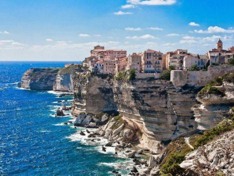 OHUS: Klimatoloogid hoiatavad, et kui kliimasoojenemise tempo ei peatu, muutuvad Vahemere luksuslikud kuurordid peagi kõledaks kõrbealaks. TELEGRAPH.CO.UK