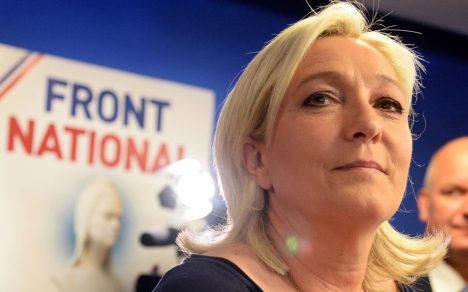"""TIIVUSTATUD: Nagu paljud tema mõttekaaslased, oli ka Prantsuse paremäärmuslaste liider Marine Le Pen Donald Trumpi võidust vaimustuses. Ta nimetas seda """"jätkuva globaalrevolutsiooni"""" teiseks etapiks. Kolmas pidavat olema tema võit Prantsusmaa presidendivalimistel 2017. aasta mais. AMERICA.ALJAZEERA.COM"""
