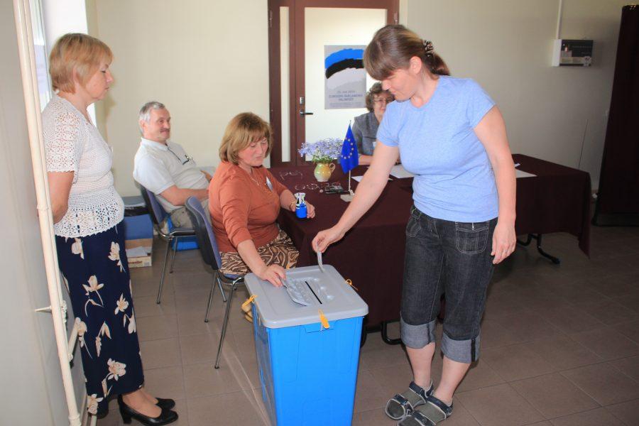 Taasiseseisvumise järgse veerandsaja aasta jooksul on Saaremaal nüüdseks toimunud viis rahvahääletust, millest kõige nadim osavõtuprotsent oli läinud nädalal nn Suur-Saaremaa ühinemise rahvaküsitlusel. Arvud näitavad, et inimeste huvi rahvahääletuste vastu on […]