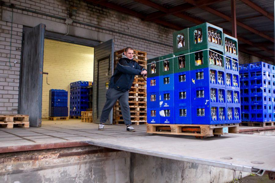 Saaremaal ei ole seni ühtegi suuremat logistikakeskust, kus näiteks mandril tegutsevad suuremad toidu- ja joogitootjad saaksid oma toodangut siinsete kaupluste varustamiseks hoida. Saarte Hääl uuris suurematelt tootjatelt, kas sellist keskust […]