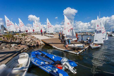 MELU SADAMAS: Maailmameistrivõistlused tõid Roomassaare sadamasse mitme välisriigi võistlejaid. EGON LIGI
