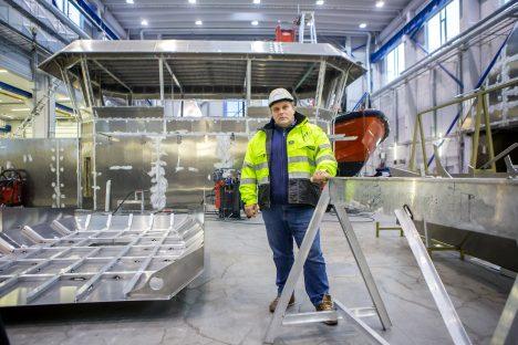TÖÖMAHUD KASVAVAD: BWB tootmisjuhi Raivo Lepiku kinnitusel tööd tööstusel jagub, juurde on tarvis aga spetsialiste. MAANUS MASING