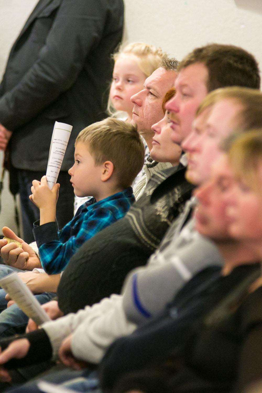 Kuressaare kultuurikeskuses toimus isadepäeva puhul meeleolukas kontsert. Fotod Irina Mägi