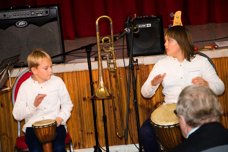 Orissaare kultuurimajas toimus eile Pereansamblite festival. Fotod ja video Irina Mägi.