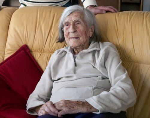 Vaevalt oskas 1944. aastal 28-aastase sõjapõgenikuna Pangalt paati astunud Linda Meri (100) arvata, et aastal 2016 hakkab ta taas kodusaarel elama. Linda Meri (neiupõlves Võõras) istub poeg Ennu kodus Rahuste […]
