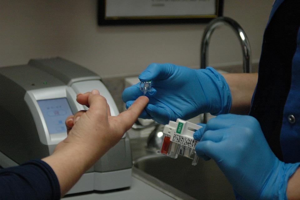 Normist kõrgem veresuhkru tase mõõdeti Kuressaares Saare Selveris 13 protsendil kohalkäinutest ja neil paluti täpsustavateks uuringuteks pöörduda oma perearsti poole. 13. novembril mõõdeti Selverites üle Eesti veresuhkru taset tasuta, et […]
