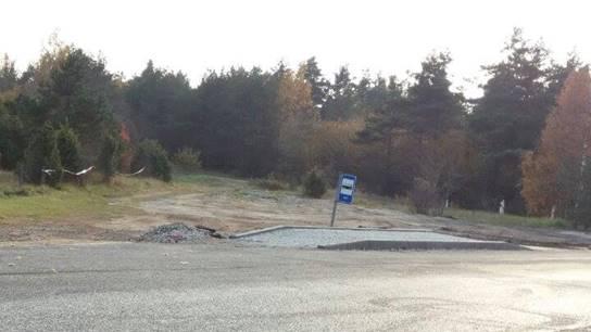 """AS Teede REV-2 on Kuivastu maantee Masa–Kuressaare lõigu rekonstrueerimistöödel ehitusgraafikust kuu jagu maha jäänud ja halvemal juhul võivad liikluspiirangud teelõigule jääda terveks eelolevaks talveks. """"Tänase seisuga on teelõigu ehitustööd tõesti […]"""