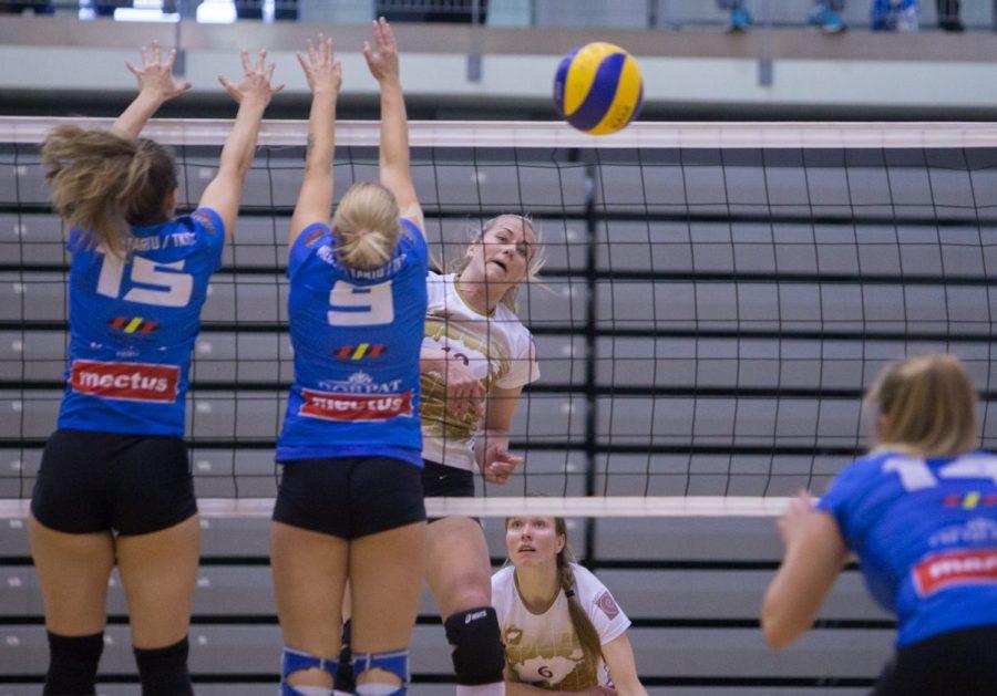 Eesti naiste võrkpallimeistrivõistluste esiliigas võitis Saaremaa/Kuressaare koduväljakul Mectus Tartu /TKSK-d 3 : 1 ja tõusis turniiritabelis kuuendaks. Naiskonna treener Raili Sepp ütles, et võidu tõid kodusaal ja koduväljak, sest siin […]