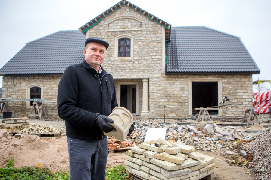 Saaremaa ettevõtjad investeerivad kokku ligi miljon eurot projektidesse, mille rahast pool tuleb toetusena LEADER-meetmest. Ettevõtja Alver Sagur ehitab oma ettevõttega Haakeri Kaali mõisa viljaaidas välja pruuli- ja pagaritöökoda, mis on […]