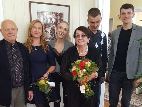 RÕÕMUS PERE: Vanaisa Elmar, lapselapsed Marie ja Triin, vanaema Ellen ning lapselapsed Jürgen ja Juhan. KÄTLIN LAES